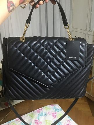 universal Beden siyah Renk Mango siyah zincir detaylı etiketli askılı çanta