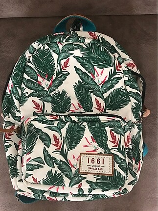Mini sırt çantası