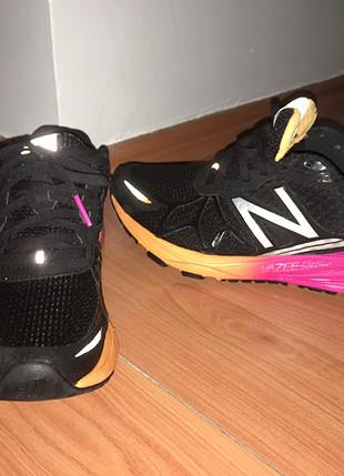 Spor salonunda çok az giydim ayakkabı yumuşak hafif çok rahat