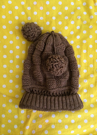 Kahverengi şapka
