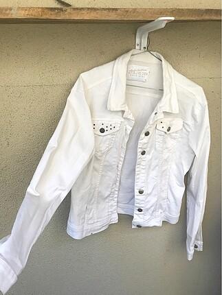 Beyaz kot ceket