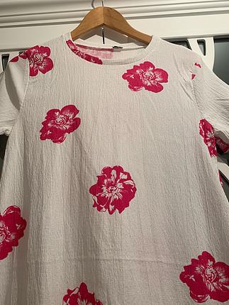 m Beden beyaz Renk Beyaz cicekli elbise