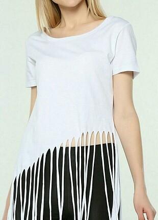 38/M Beden Beyaz Renk Saçaklı Tshirt