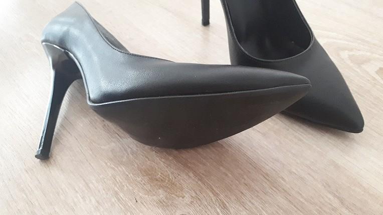 siyah stiletto