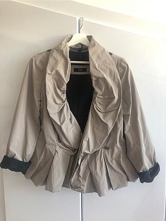 NU Volanlı Şık Ceket