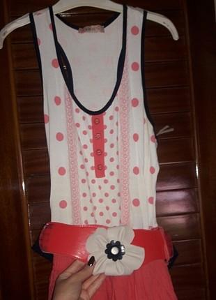 pembe puantiyeli elbise
