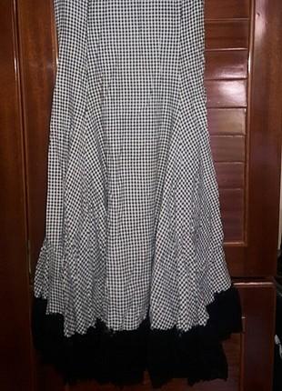 kareli siyah beyaz elbise pileleri dantelli