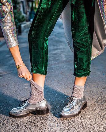 Maskülen gümüş parlak ayakkabı yeni