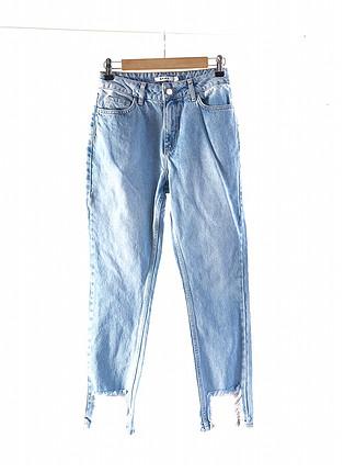 Paçası yırtık pantolon