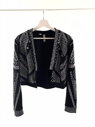 Zımba detaylı ceket