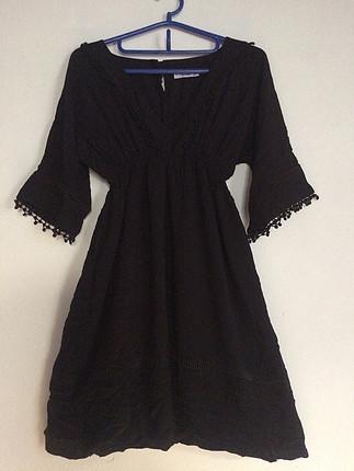 Siyah batik elbise