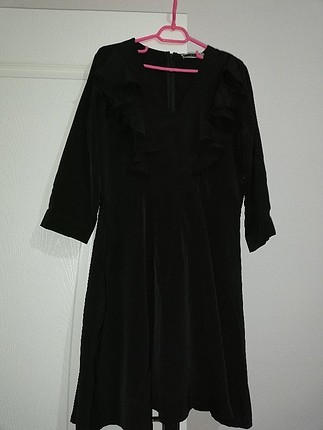 fusion marka tuvarkar kol siyah volanlı elbise