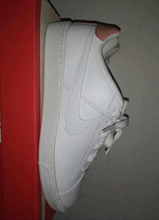 38 no Nike spor ayakkabı