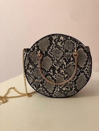 H&m yılan desenli çanta