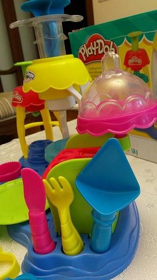 Play-Doh Play-Doh Neşeli pastacı oyun hamuru seti