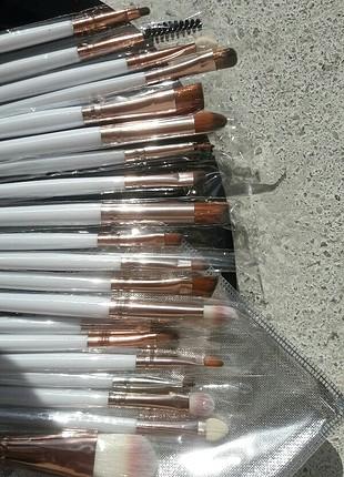 Anastasia Beverly Hills Makyaj fırçaları