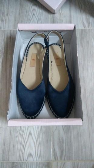 Elle marka ayakkabı