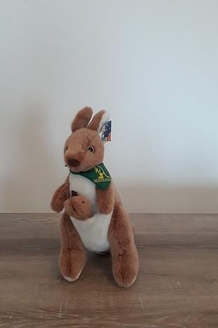 Diğer oyuncak kanguru ve koala