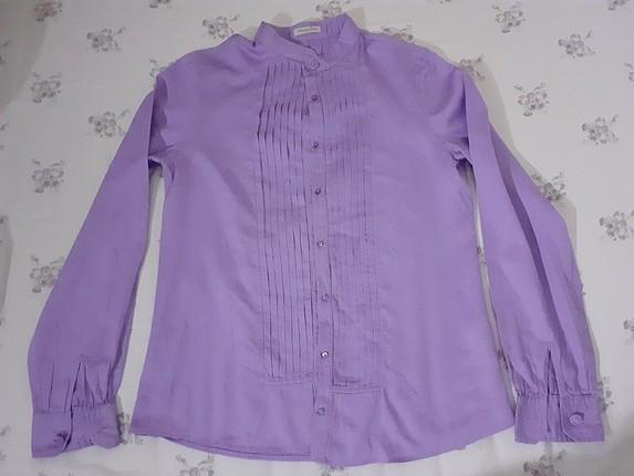 lila gömlek