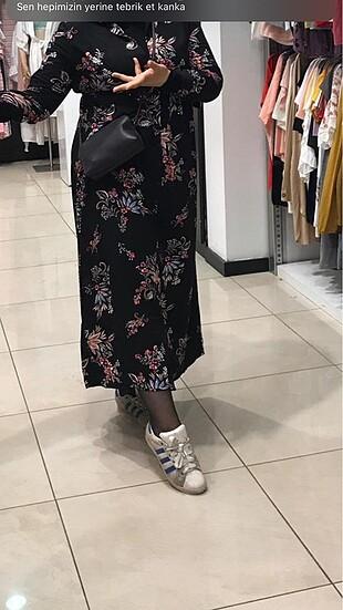 LC Waikiki çiçekli elbise