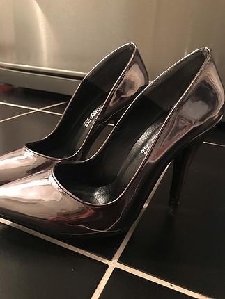 37 numara gümüş topuklu ayakkabı