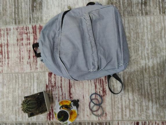 çizgili sırt çantası