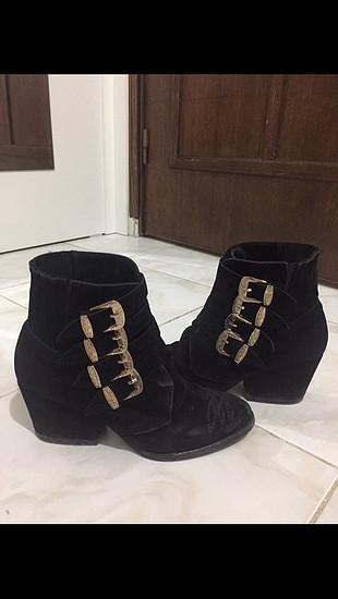 Pelinin Ayakkabıları Siyah gold tokalı kovboy bot