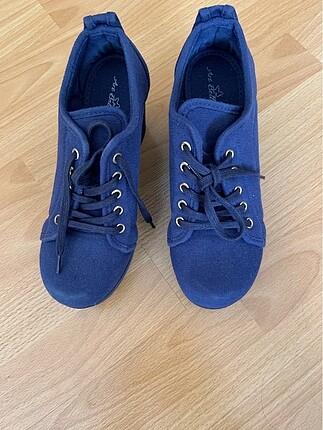 39 Beden Dolgu topuk ayakkabı