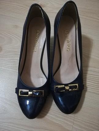 lacivert uzeri fıyonk detaylı topuklu ayakkabı