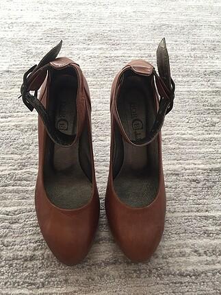 38 numara kahverengi gerçek deri topuklu ayakkabı