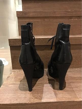 38 Beden Siyah topuklu bot