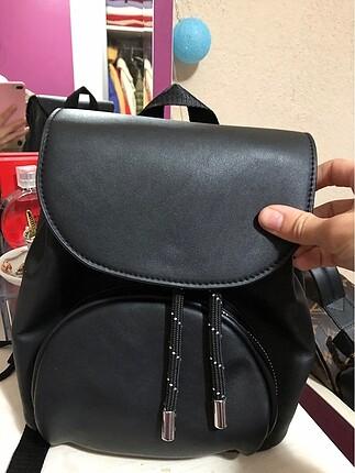 Pull bear sırt çantası