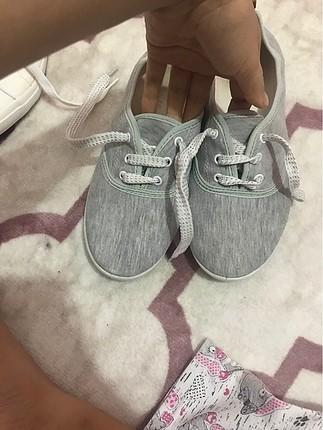 Gri bez ayakkabı