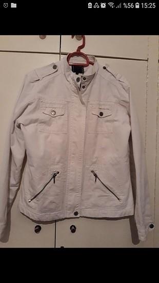 LC Waikiki Beyaz ceket