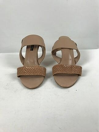Şık topuklu ayakkabı