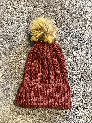 BCBG şapka