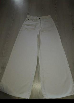 Jean bol paça beyaz pantolon