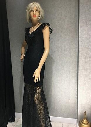 Dantel detaylı gece elbisesi