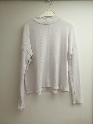 Beyaz boğazlı bluz