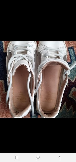beyaz ayakkabi