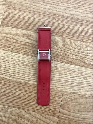 Kırmızı saat