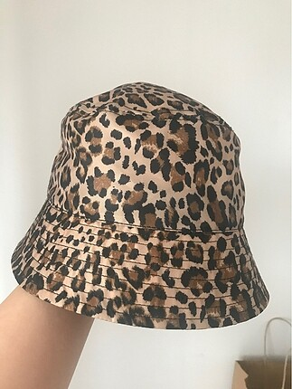 H&M H&M leoparlı şapka