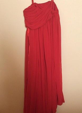 Kırmızı şifon elbise