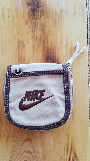 Nike hiç kullanılmamış cüzdan
