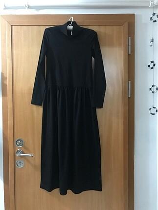 Siyah boğazlı penye uzun elbise