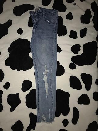 kot yırtık dar skinny jean pantolon paçası püskül detaylı