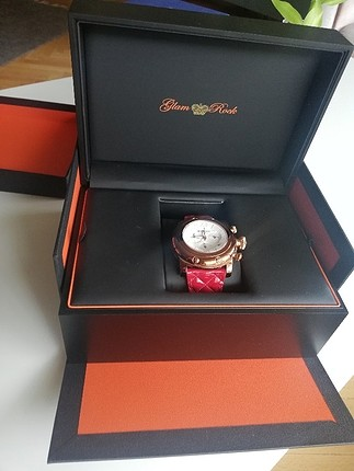 az kullanılmış Glam Rock saat çok sevdiğim için iki tane almıştı