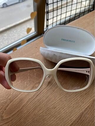 Beyaz kemik güneş gözlüğü