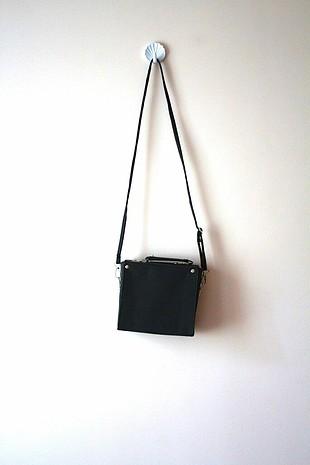 Diğer siyah çapraz çanta