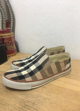 Burberry ayakkabi
